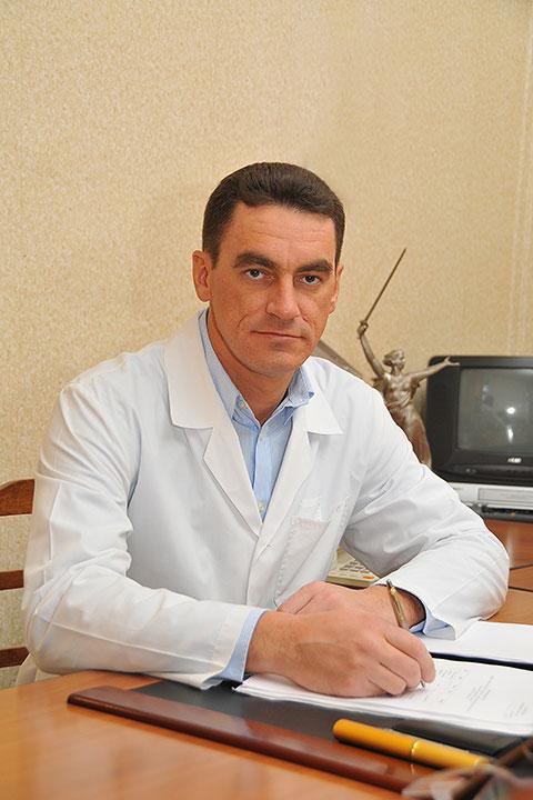 Леонов максим александрович нейрохирург